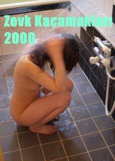Zevk Kaçamakları 2000 Banyoda Erotik Film İzle izle