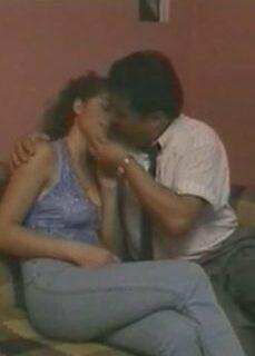 Üç Kız Kardeş Yerli Erotik Film İzle reklamsız izle